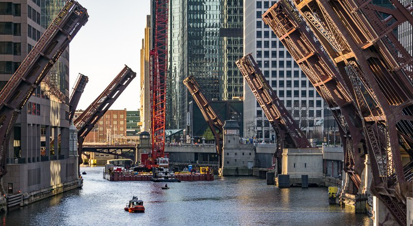 Crane moving on the South Branch of the Chicago River